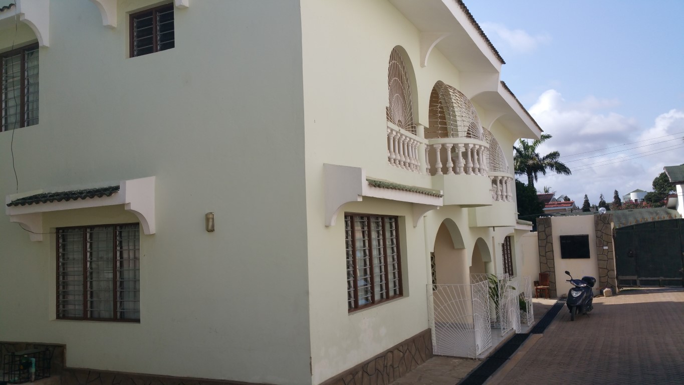 4br house for rent in Nyali off Links Rd