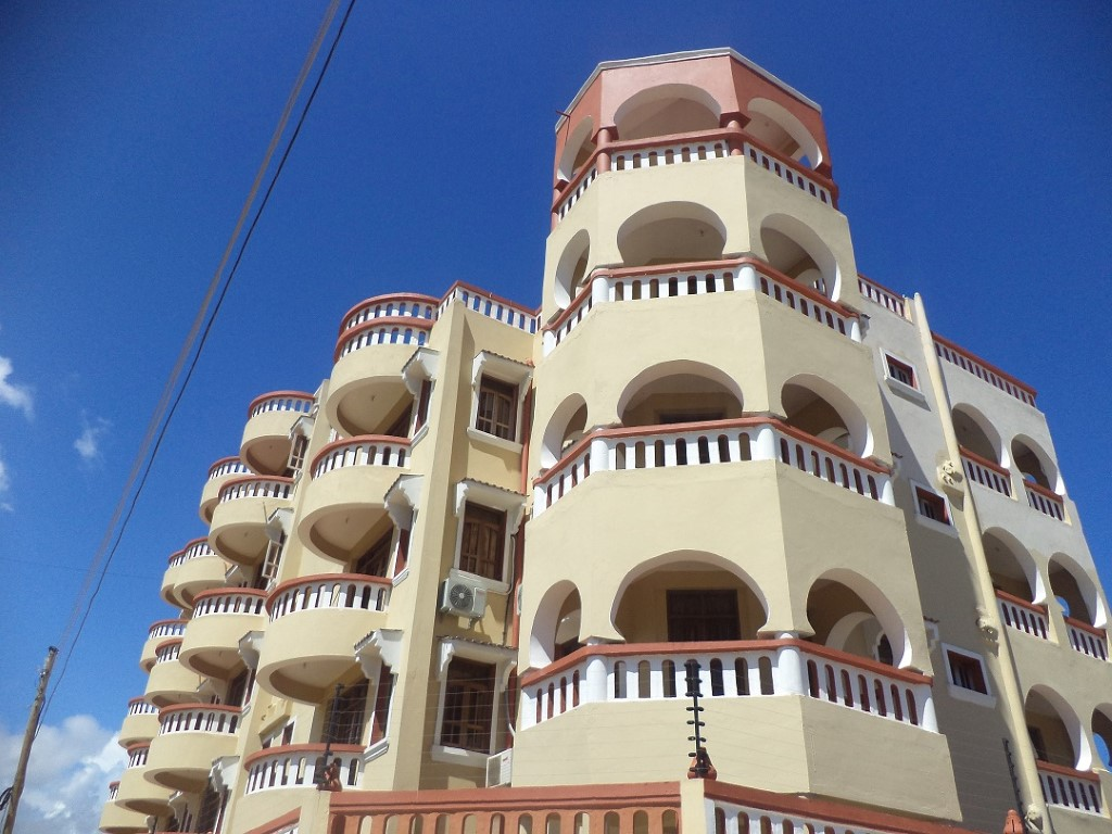 3br apartment with pool for rent in Nyali off links road