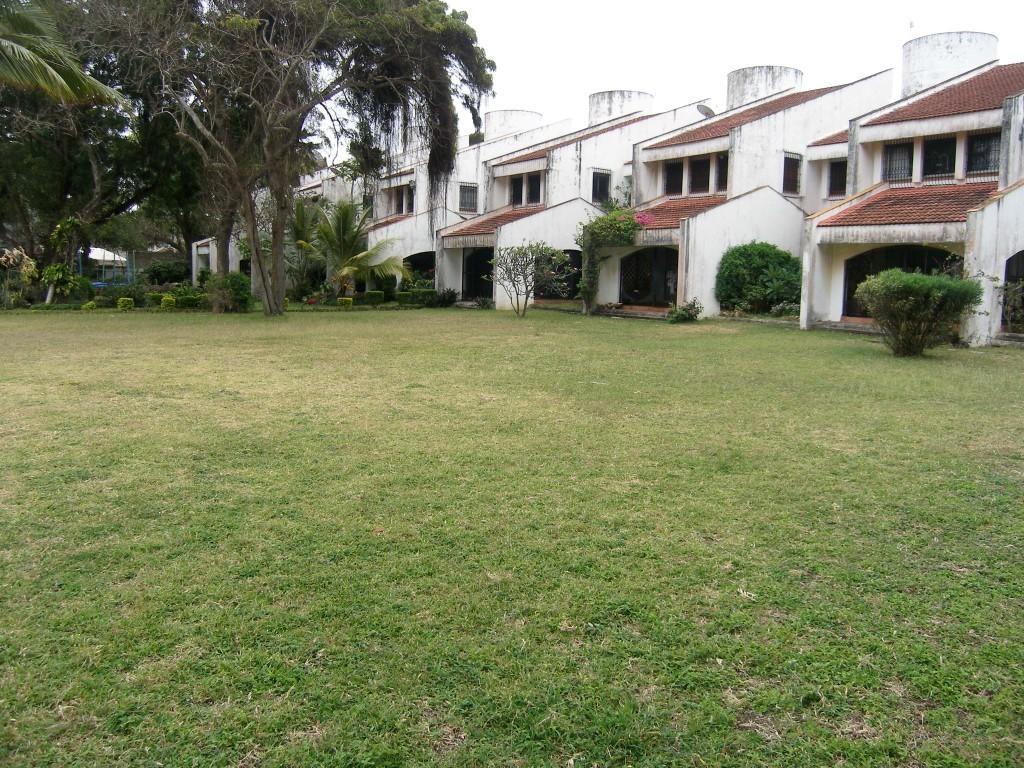 5br beachfront Town House for Rent in Nyali (Aqua Villas)