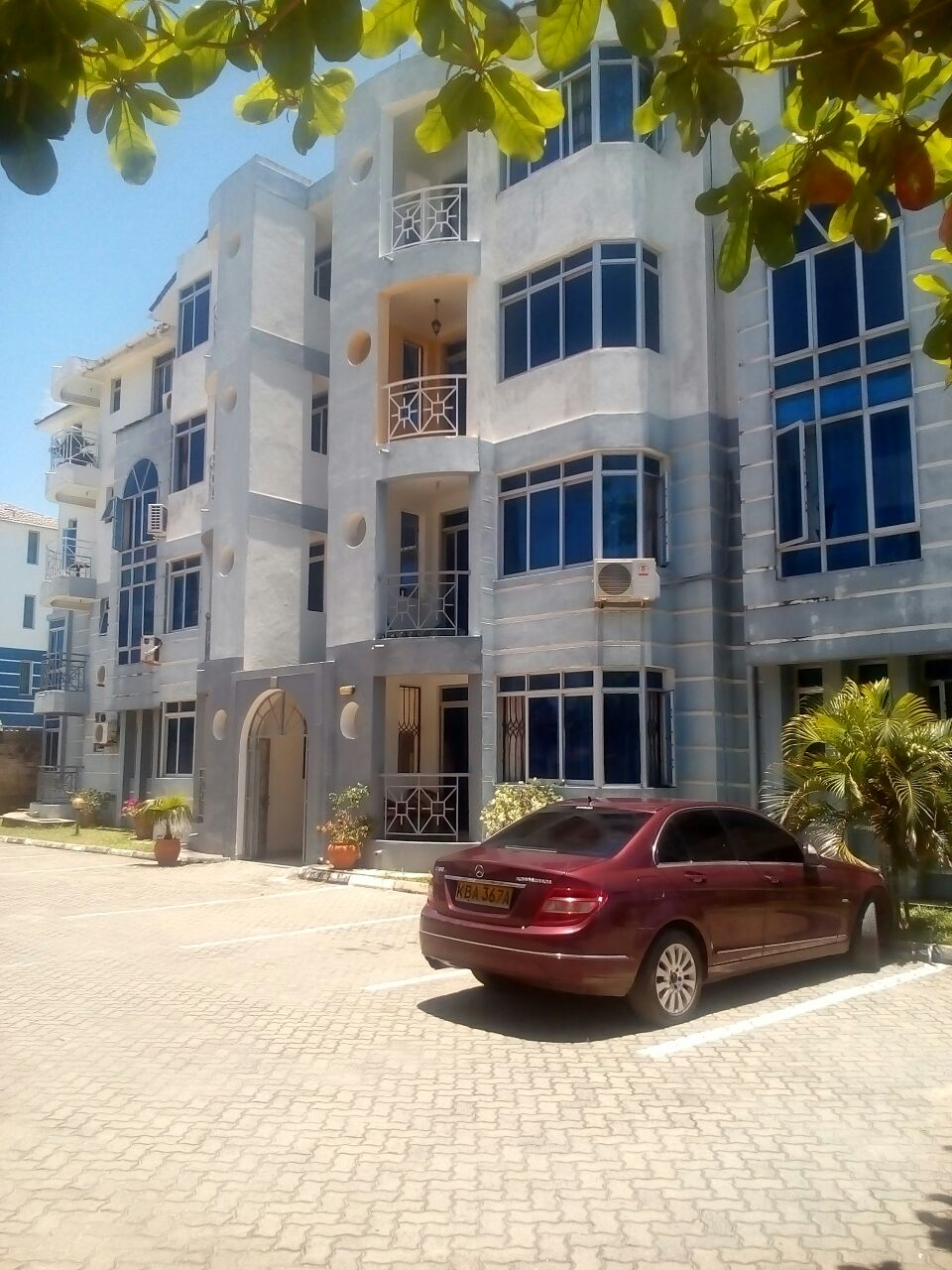 3 br apartment with pool for rent in Nyali close to City Mall