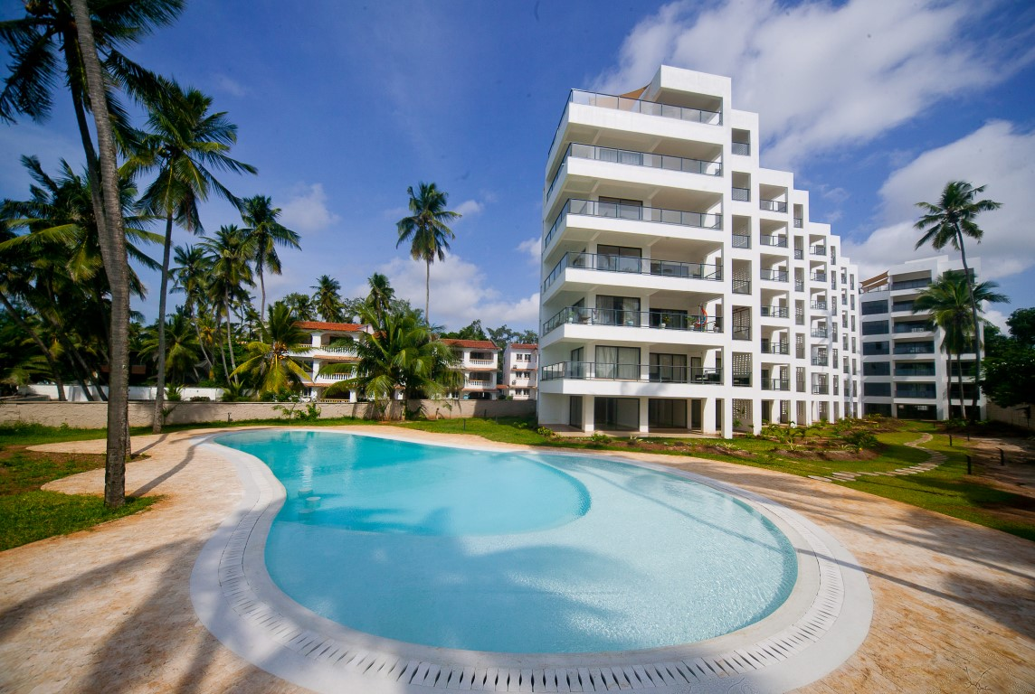3br executive beach penthouse apartment for rent in Bamburi Beach