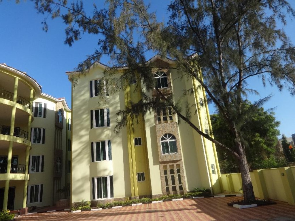 3 br modern apartment all en-suite for rent in Nyali  (Kilima Apartments)