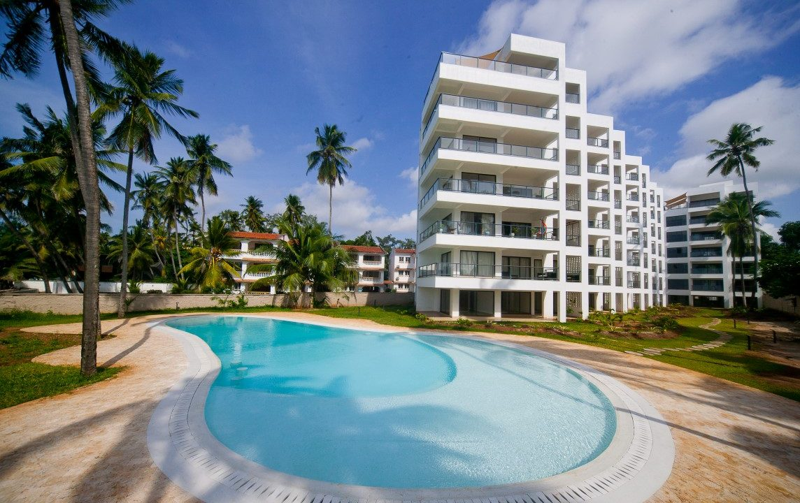 3br furnished beach penthouse apartment for rent in Bamburi-Mombasa