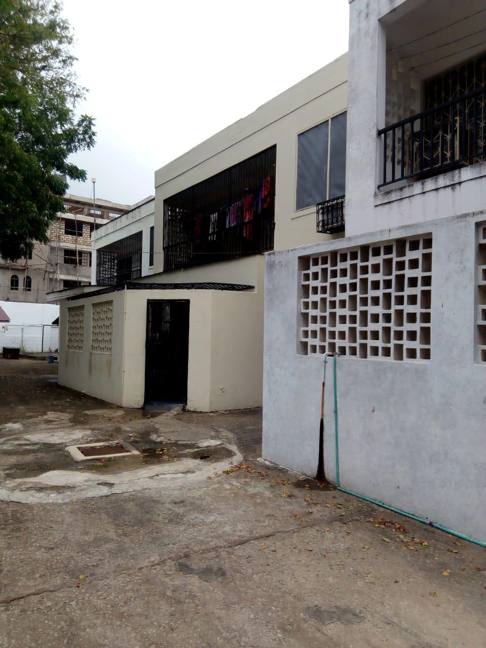 4 bdrm maisonette for rent in kizingo.