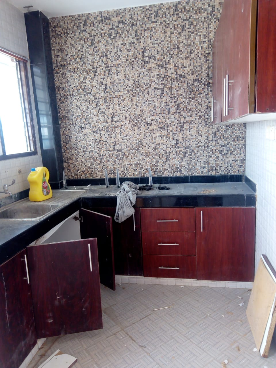 2 bedroom apartment for rent around mombasa town CBD.