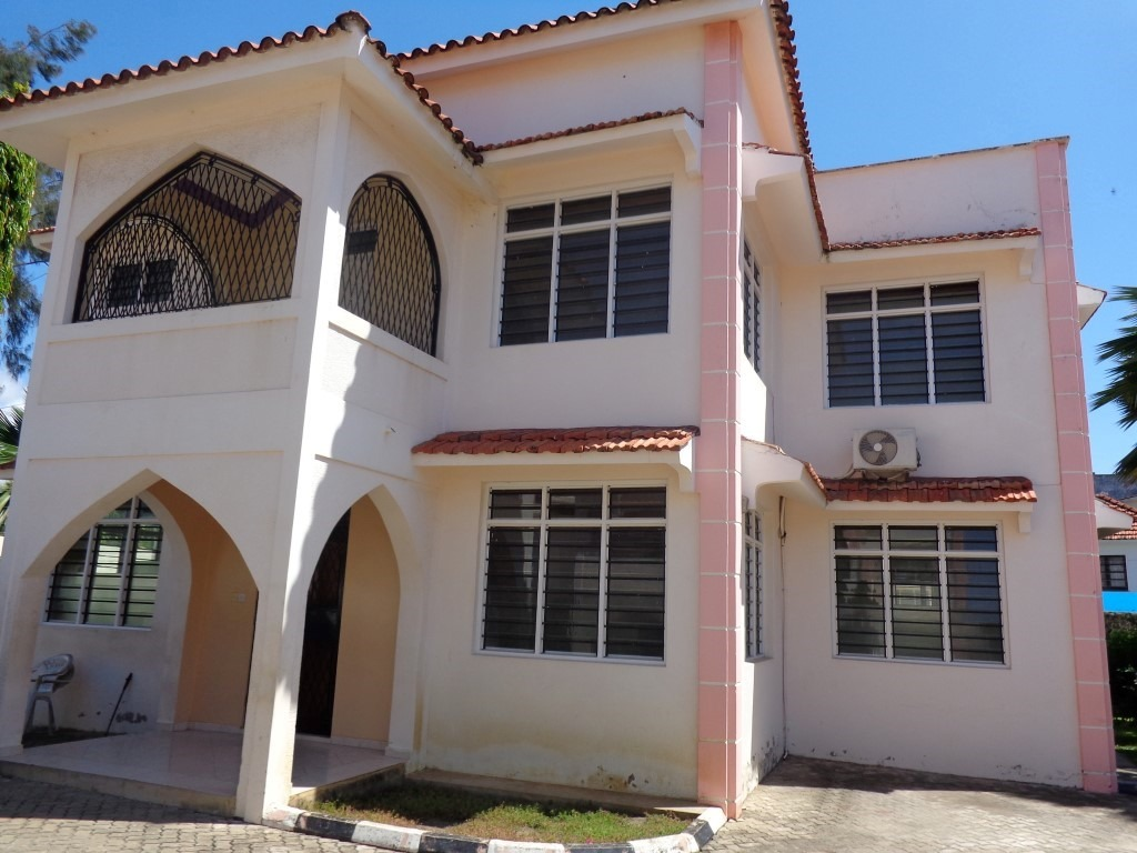 4 Bedroom Massionatte in a Shared compound for rent in Nyali