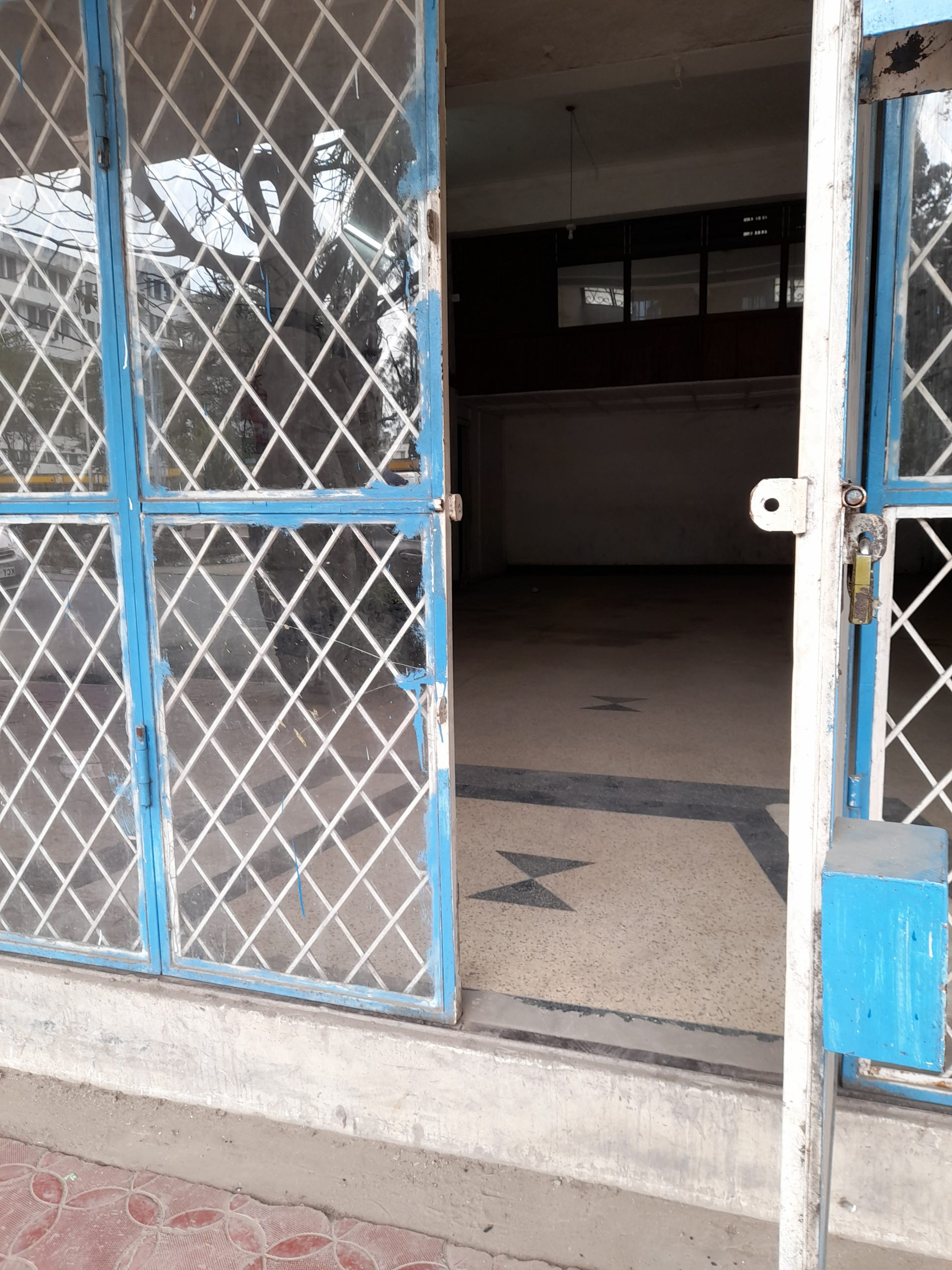 Showroom available for rent in Mombasa town.