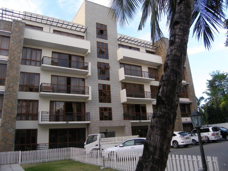 3 bedroom (plus 1br SQ) modern spacious apartment for sale in Nyali