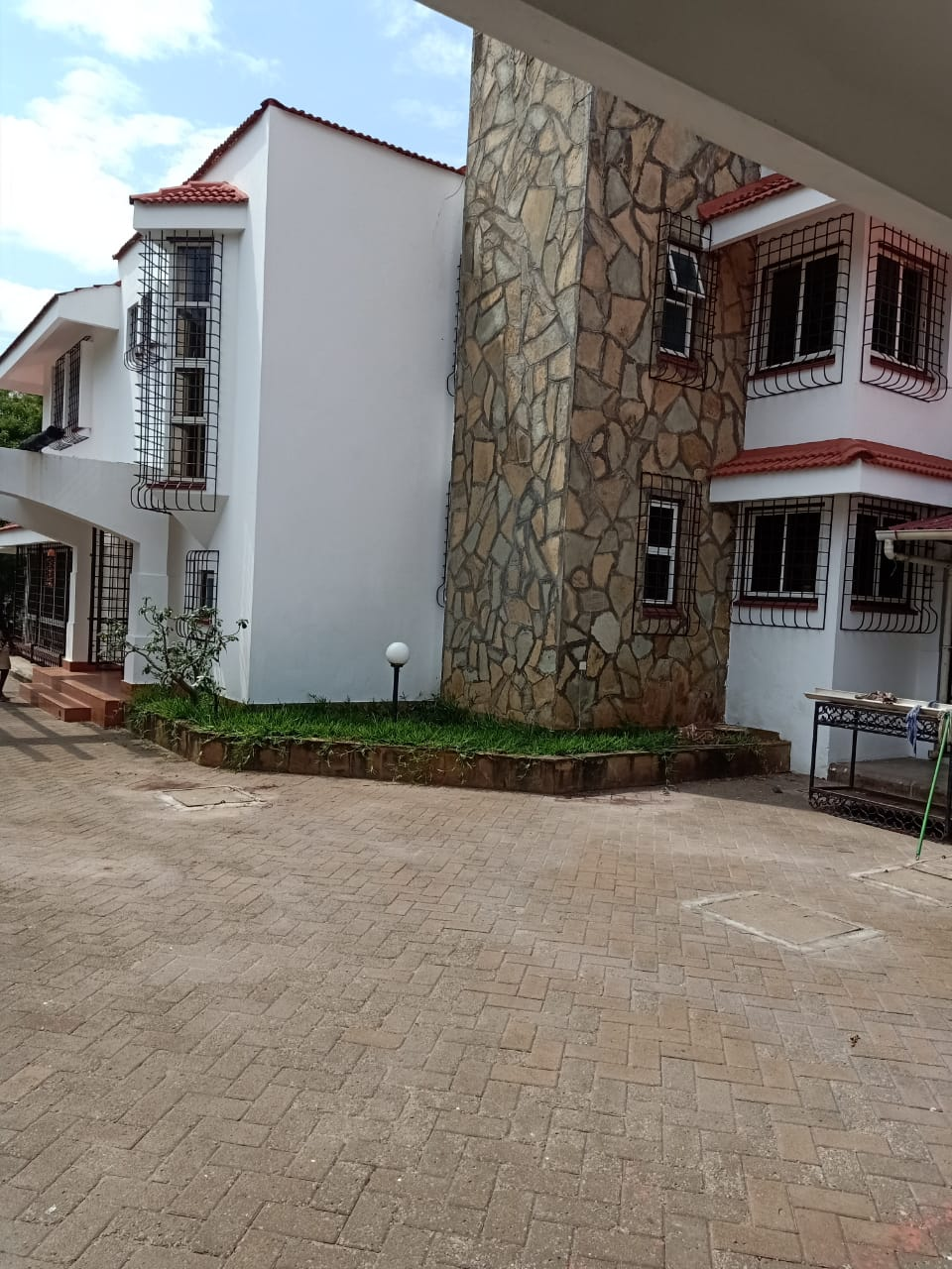 4br house for rent in Nyali Near Nyali Police station