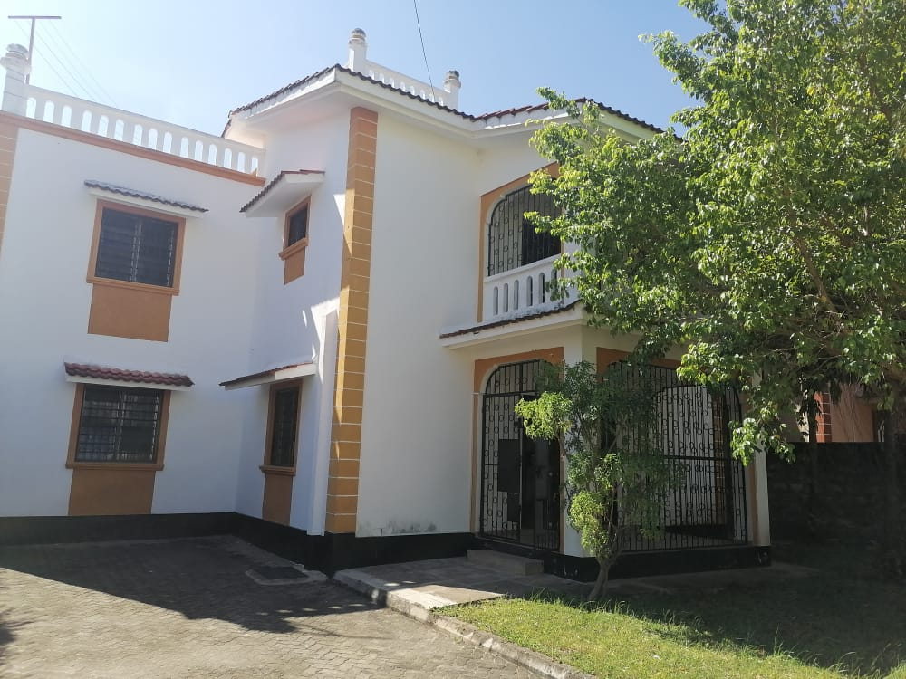 4 br house for rent in Nyali inside a gated community