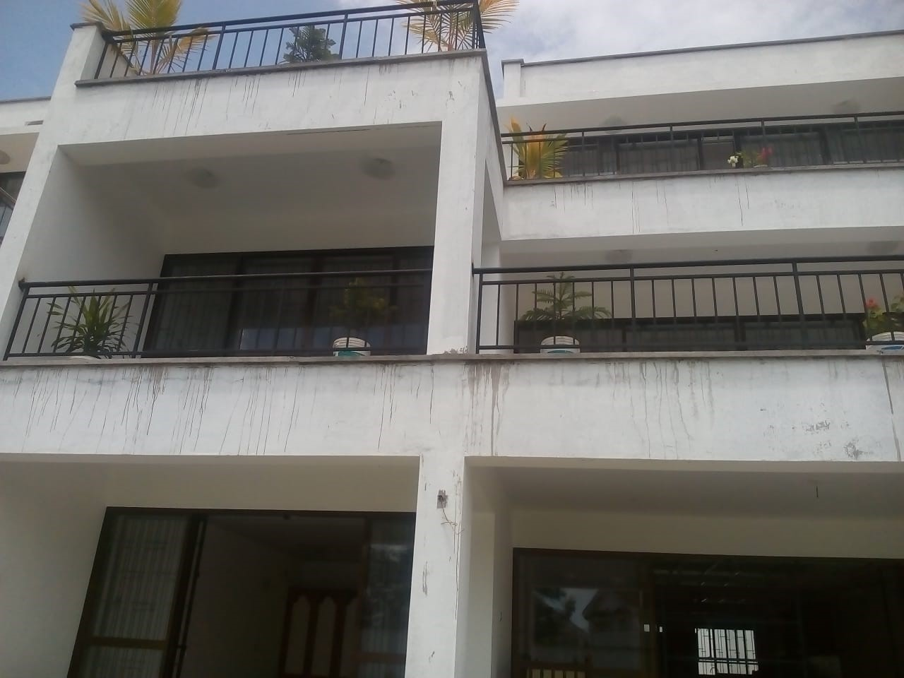 4 br newly built elegant maisonnettes for sale in Nyali.