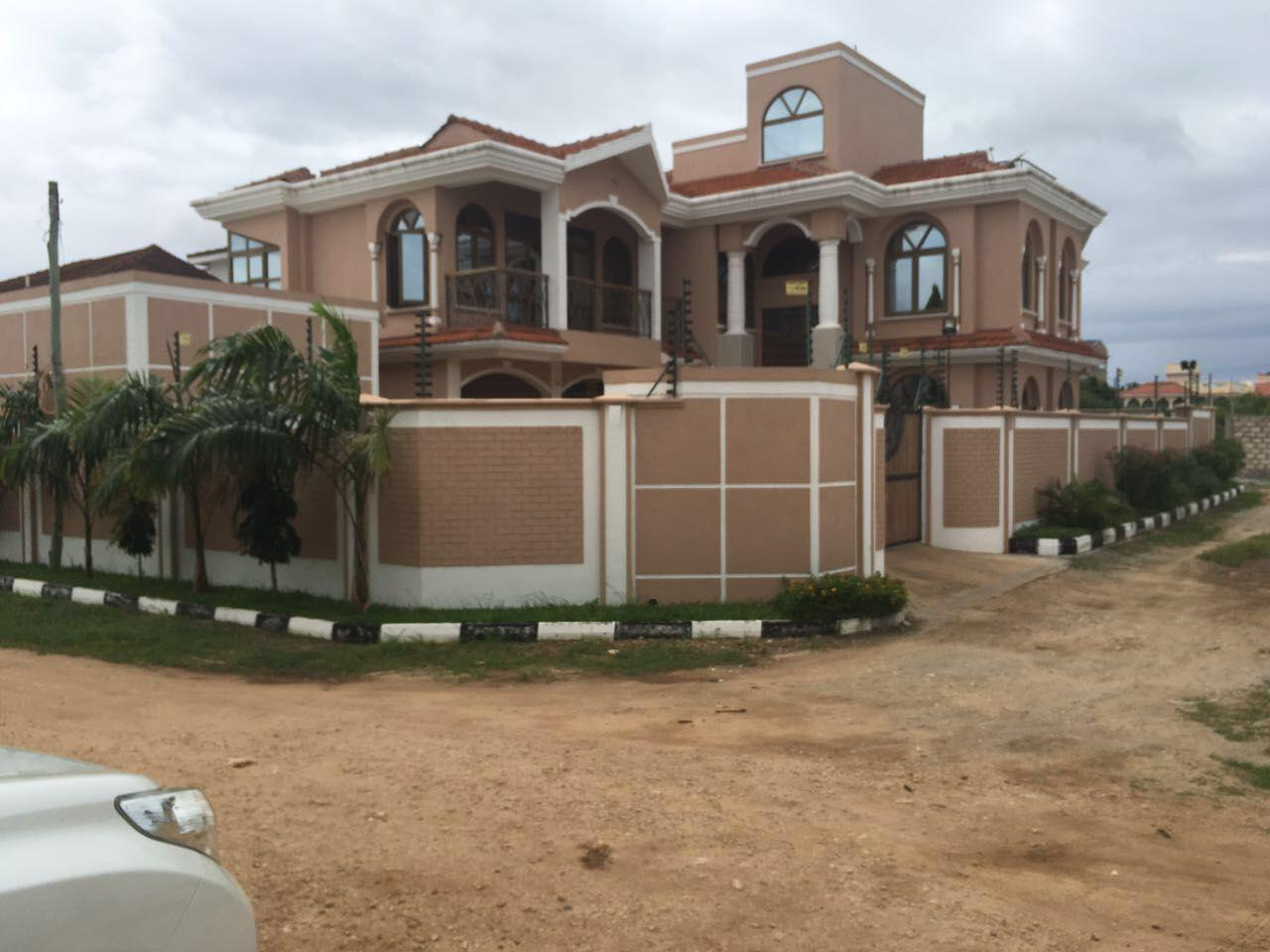 5br unfurnished House for rent in Nyali