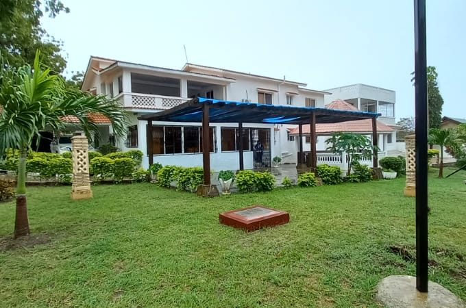 5br house with SQ for rent in Nyali City Mall area